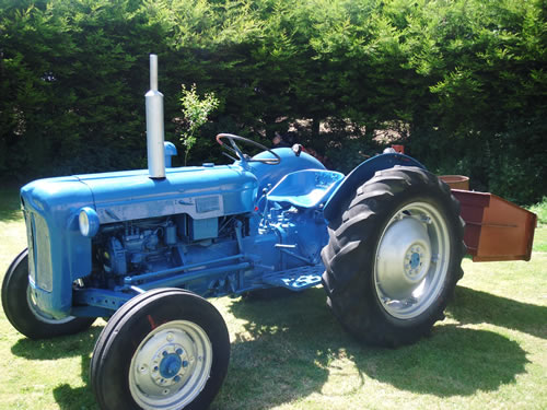 880 Ford Tractors : Tractors for sale